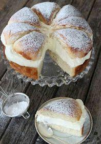 What's better than a Swedish cream bun? A Swedish cream bun cake, of course! Swedish Recipes, Sweet Recipes, Cake Recipes, Dessert Recipes, Scandinavian Recipes, Swedish Foods, Dessert Bread, Easter Recipes, Just Desserts
