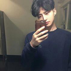 Korean Boys Hot, Korean Boys Ulzzang, Ulzzang Couple, Ulzzang Boy, Korean Men, Cute Asian Guys, Asian Boys, Asian Men, Cute Guys