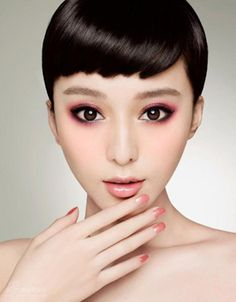 Actress Fan Bingbing's cute look_Beauty Pageant--China Economic Net