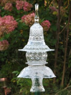 Garden totem; would add some sparkle in the garden; so pretty