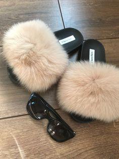 selling fur gilets/coats and accessories Girls Fashion Clothes, Fashion Shoes, Hot Dress, Shoe Closet, Fur Slides, Fox Fur, Cute Shoes, Crocs, Uggs