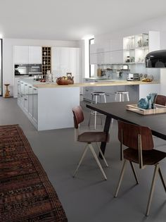 Buy Xylo Modern Kitchens by LEICHT with arctic white and blue& kitchen units with Matt glass worktops at London& best kitchen showroom in Fulham. Huge Kitchen, Boho Kitchen, Glass Kitchen, Kitchen Styling, Kitchen Area Rugs, Kitchen Units, Kitchen Flooring, Kitchen Ideas, Kitchen Dining