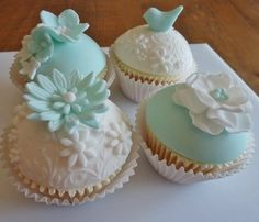 Cupcakes by Love is Cake - by LoveIsCakeUK @ CakesDecor.com - cake decorating website