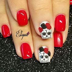Red Nails with black, red and white accents. Sugar Skull nails nail designs for summer short nail designs 2019 self adhesive nail stickers nail art stickers how to apply full nail stickers Skull Nail Designs, Skull Nail Art, Black Nail Designs, Cute Halloween Nails, Halloween Acrylic Nails, Halloween Nail Designs, Spooky Halloween, Vintage Halloween, Red And White Nails
