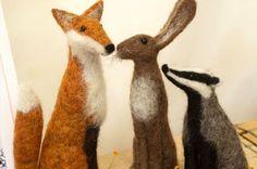 LOOK: Wool art like you've never seen before Jenny Barnett's needle felted figures - a fox, rabbit, and badger Needle Felted Animals, Felt Animals, Felt Fox, Needle Felting Tutorials, Felt Fairy, Felt Mouse, Wool Art, Woodland Creatures, Felt Hearts