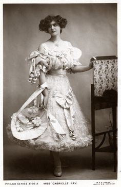 Miss Gabrielle Ray with bonnet | Early Pictures