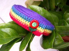 Schneckenband *Regenbogen*    rot, orange, gelb, grün, blau, violett    verziert mit kleiner Sonnenblume    gehäkelt aus neuer Wolle    Schneckenbände