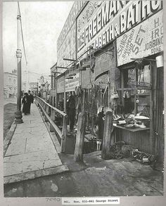 George St,Sydney in 1900 during the Big Cleanse from the Bubonic Plague. Antique Photos, Old Photos, Australian People, Sydney City, Historical Pictures, Sydney Australia, Newcastle, Vintage Images, Continents