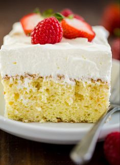 Tres Leches Cake has a soft and ultra-moist crumb. This authentic Tres Leches Cake recipe is soaked with a 3 milk mixture and topped with whipped cream. Thanksgiving Desserts Easy, Valentine Desserts, Thanksgiving Side Dishes, Easy Desserts, Christmas Appetizers, Irish Desserts, Irish Recipes, Christmas Desserts, Food Cakes