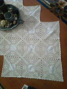 Crochet Tablecloth, Crochet Patterns, Diy Crafts, Knitting, Round Tablecloth, Dining Table Runners, Linen Tablecloth, Cute Crochet, Crochet Doilies