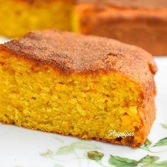 Receta casera de la Torta de Avellanas con harina, azúcar, mantequilla, ron, levadura y ralladura de limón.