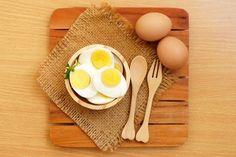 Haşlanmış Yumurta Diyeti Sayesinde 14 Günde 10 Kilo Verebilirsiniz - Sağlık Paylaşımları Boiled Egg Diet, Boiled Eggs, Foods To Avoid, Foods To Eat, Lose Weight Naturally, How To Lose Weight Fast, Healthy Dinner Recipes, Diet Recipes, Osteoporosis Diet