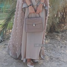 IG: Carnelian_Design    IG: Beautiifulinblack    Modern Abaya Fashion   