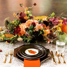 Gorgeous fall morning! Image via @greenweddingshoes #partyideas #partyplanner #partystyling #partyplanning #partystylist #eventdesign #eventplanner #autumnwedding #wedding #weddingideas #weddingdlowers #weddingplanner #weddingphotography #diyparty #diywedding #beautiful #thepartyatelier  #weddingtable #tableideas #tablescape #tablesetting #love #orange #leaves #partyplanning@etsy