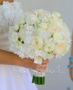Bouquet romantico e delicato impreziosito da pizzi e merletti | Cira Lombardo Wedding Planner