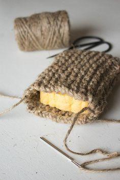 DIY Knit Twine Scrubbing Sponge — Cashmere & Plaid - Zero waste and plastic free tips Knitting Projects, Crochet Projects, Knitting Patterns, Craft Projects, Sewing Patterns, Photo Projects, Crochet Ideas, Project Ideas, Pot Mason Diy