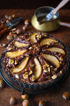 Schokoladenkuchen_Schokoladen-Haselnuss-Tarte-mit-Birnen_SiasSoulfood