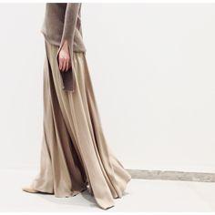 いいね!1,051件、コメント1件 ― L'Appartementさん(@lappartement_jp)のInstagramアカウント: 「elegant. #lappartement#caravan#aoyama#fashion#2016aw#collection#timeless#therow#elegant#beige#luxe」