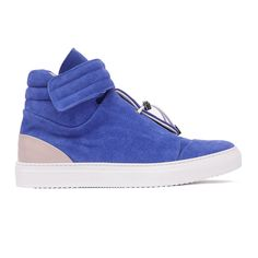 MHONEIRO: FOOTPRINT OF THE FUTURE. Mhoneiro: young brand projected towards a new vision of men's shoe. Futurists lines and profiles with a sporty chic soul for a new concept of sneakers. Avant-garde design between contemporaneity and artisanal knowledge indistinguishable Made in Italy. Discover more on http://ob-fashion.com/mhoneiro/?lang=en  #shoes #shoeslover #mensfashion   #mensstyle   #shopping #madeinitaly #luxury #obfashion #emergingtalent #emergingdesigners #fashion #اتجاهات #тенденци