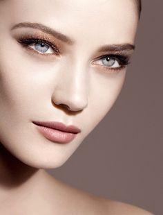 Giorgio Armani Beauty Fade to grey herfst make-up collectie 2014 - Beautyscene Giorgio Armani Beauty, Armani Makeup, Makeup Trends 2014, Beauty Trends, Bath Body Works, Beauty Blender, Henna Designs, Karl Lagerfeld, Pretty Makeup