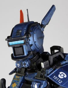 Re: Neill Blomkamp's Chappie The new trailer looks great; I thought the teaser was corny. Neill Blomkamp, New Trailers, Walkie Talkie, Teaser, Robots, Cyberpunk, Futuristic, Films, Characters