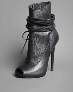 8fff4ffb8b9 Giuseppe Zanotti ® Official Website - Learn about Giuseppe Zanotti s  universe  shoes