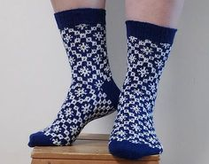 Baltic Princess (Baltian prinsessa) sock pattern was exclusive to the Finnish knitting club Kalakukkojen neuleklubi 2017 until April the Now the pattern is available free of charge for everyone on Ravelry. Knitting Machine Patterns, Knitting Charts, Knitting Socks, Free Knitting, Knitting Club, Knit Socks, Knitting Stitches, Crochet Slipper Boots, Crochet Shoes