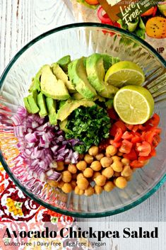 Dinner Avocado Chickpea Salad - This gluten free and vegan Avocado Chickpea Salad is delicious and super easy to make! It's made with simple and fresh ingredients making this a great healthy meal option! Dairy Free Recipes, Vegan Gluten Free, Vegan Recipes, Chickpea Salad Recipes, Pasta Salad Recipes, Healthy Food Options, Healthy Salads, Healthy Eating, Easy Vegan Chili