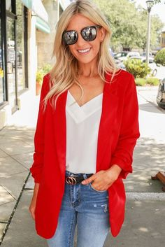 A classic blazer with a longer length featuring scrunched sleeves, blazer style collar, faux pockets, and an open front! Red Blazer Outfit, Blazer Outfits Casual, Blazer Fashion, Blazer Dress, Dress Outfits, Women's Fashion, Sleevless Blazer, How To Wear Blazers, Ladies Blazers
