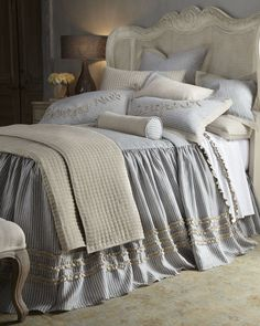 "Amity Home - Queen Skirted Coverlet/Duvet Cover, 60"" x 80"" with 30"" Drop"