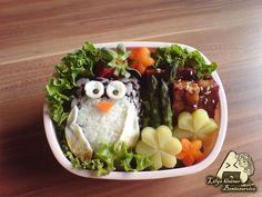 #Owl bento  Via: http://www.myowlbarn.com/2013/04/collection-owl-bento.html