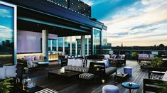 10 Incredible Rooftop Bars Around the World - Thompson Toronto 10-Incredible-Rooftop-Bars-Around-the-World-Thompson-Toronto1-700x390 10-Incredible-Rooftop-Bars-Around-the-World-Thompson-Toronto1-700x390