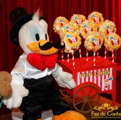 pelucia pato donald circo