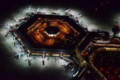Big Picture: Berlin, nachts, von oben - Der Flughafen Tegel - Berliner Morgenpost