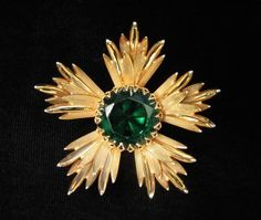 Curved and Dimensional Emerald Green Flower Pendant/Pin from sarafinas on Ruby Lane