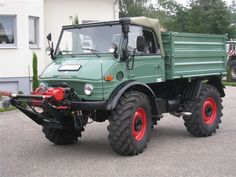 Off Roaders, Mercedes Benz Unimog, Daimler Benz, Cool Cars, Monster Trucks, Offroad, Jeep, Wheels, Military