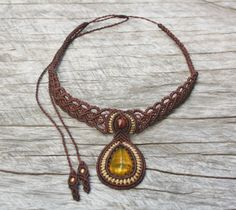 AMBER Macrame Necklace (brown)- stone size approx. 3cm/2cm
