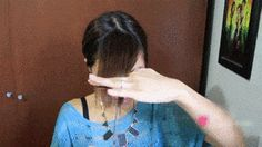Bildtitel Cut Side Swept Bangs Step 6