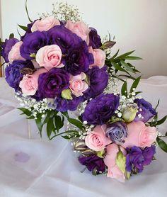 lisianthus morado y rosas rosado
