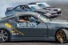 Sliding through Wednesday like the @zenkiboyzdrifting chasing @philoddo at @clubloosenorth  #teamgold #clubloosenorth #iscdrift #isz #iscsuspension #hotimportnights #drifting #killtires #coilovers #nissan #s14 #350z #nissannation #iscfamily #clnfamily #teammishi #specpowder #usdrift #amfmotorsports #kdb Photo- James Russo