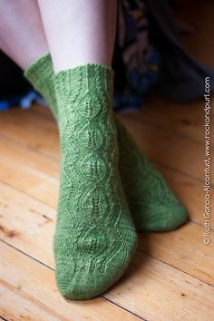 Ravelry: Tendril pattern by Jacqui Harding