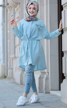Stunning Button Front Tunic Outfit Ideas for Hijabies – Girls Hijab Style & Hi. Stunning Button Front Tunic Outfit Ideas for Hijabies – Girls Hijab Style & Hijab Fashion Ideas Pakistani Fashion Casual, Modern Hijab Fashion, Pakistani Dresses Casual, Street Hijab Fashion, Abaya Fashion, Muslim Fashion, Fashion Muslimah, Casual Hijab Outfit, Hijab Chic