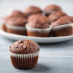 Špaldové muffiny s čokoládou Cupcakes, Breakfast, Food, Morning Coffee, Cupcake Cakes, Essen, Meals, Yemek, Cup Cakes