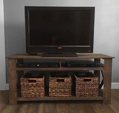Rustic Pallet TV Stand Plans