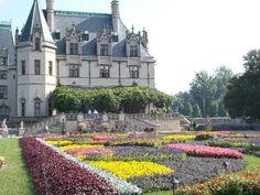 Biltmore House & Gardens - flower carpet