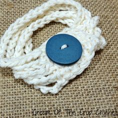 This chain bracelet is easy to make, yet fashionable to match the chain scarf! It uses a foundation chain and single crochet stitch to make. Share your finished projects on myFacebook Page! Downlo...