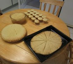 Christmas! -  Apple pie, crumble, mince pies and a lid for...