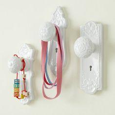 Doorknob wall decor, LOVE it!!!