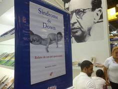 """Marcelo Nadur esteve na Bienal do Livro no dia 24/08/14 para autografar a obra """"Síndrome de Down – Relato de um pai apaixonado"""""""