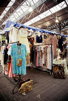 Old Spitalfields Market - Judys Afforable Vintage Fair